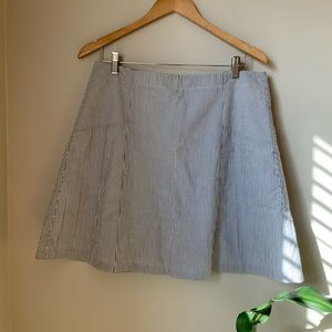 Loft Beautiful white and blue lined skirt